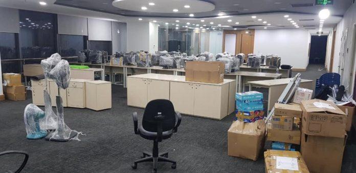 dọn dẹp lại văn phòng cũ trước chuyển đến chỗ mới