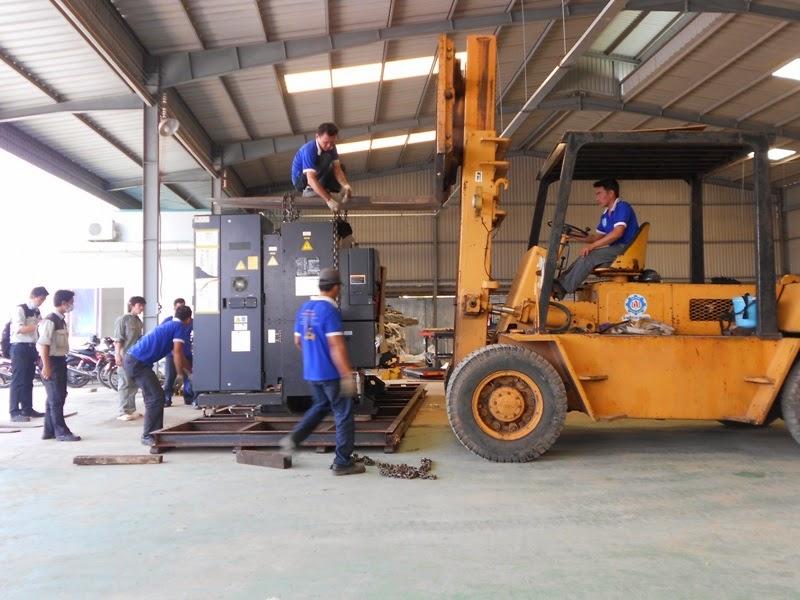 vận chuyển kho xưởng Hòa Phát