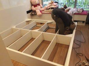 tháo lắp giường đúng cách